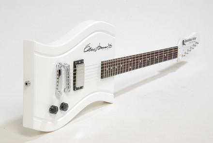 Eero Aarnio – Copacabana guitar