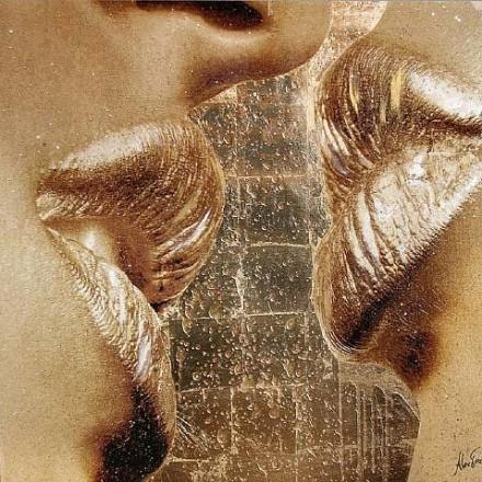 Salone Milan 2010 – Alex Turco's Gold Lips