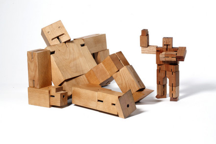 Cubebots by David Weeks for Areaware @ dedeceplus