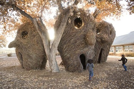 "Patrick Dougherty's architectural ""Stickworks"""