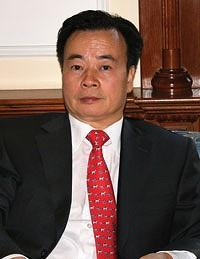 "The ""mysterious"" philanthropist – Dr Chau Chak Wing"