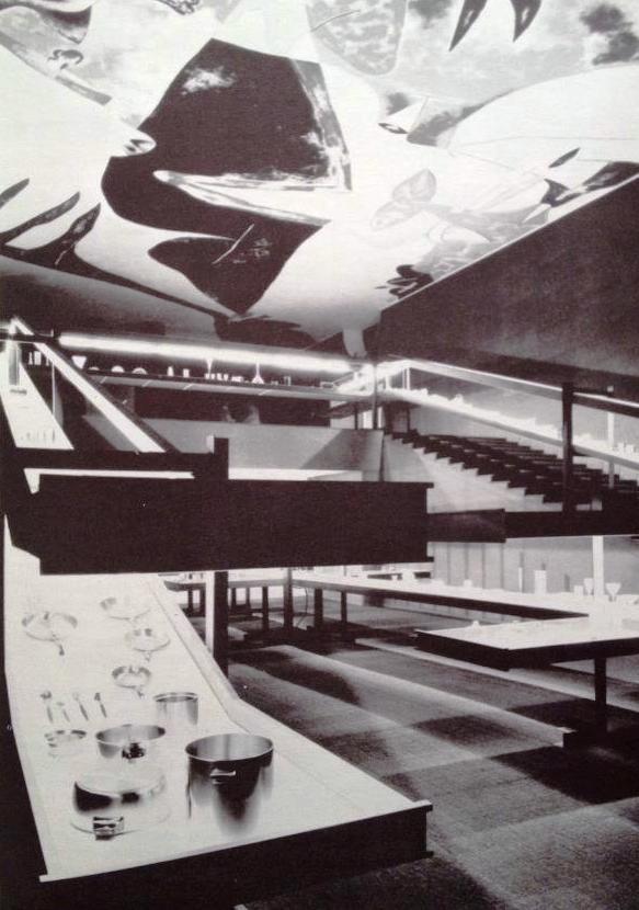 F. Albini, J. Doblin, Mostra comparativa del vetro e dell'acciaio. Sul soffitto affresco di G. Dova. XII Triennale di Milano - 1960