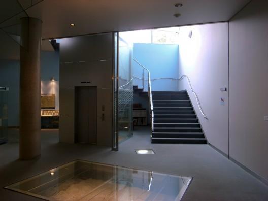 5149d7c6b3fc4b8a9f0000a0_ad-classics-yatsushiro-municipal-museum-toyo-ito_r0014743-528x396
