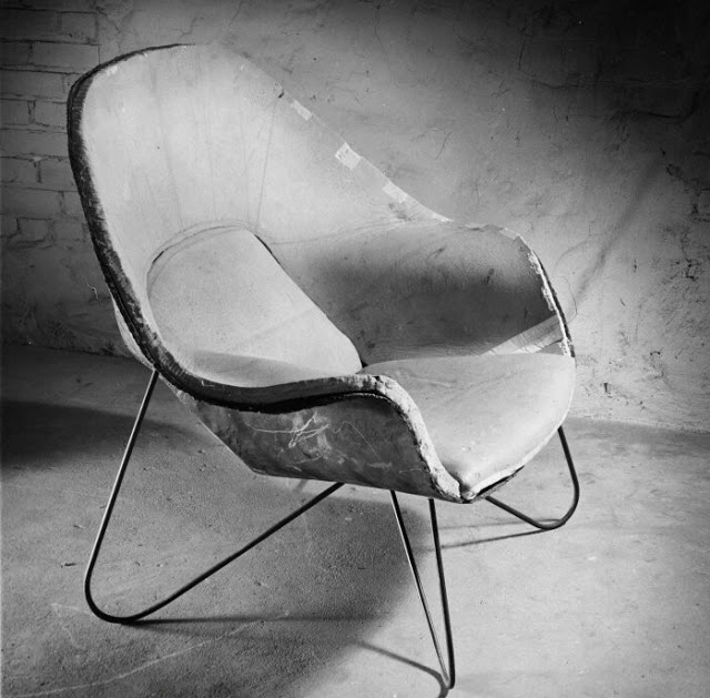 Saarinen-womb-chair-proto