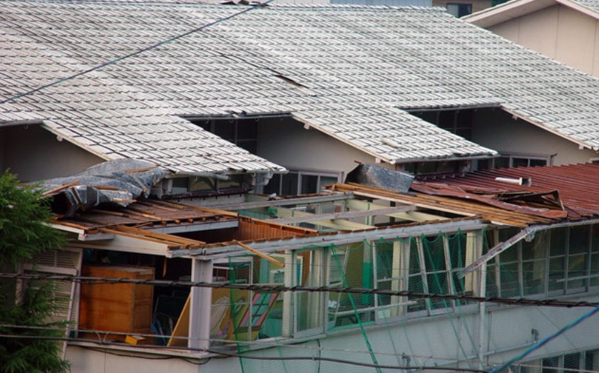 typhoon damage 2004