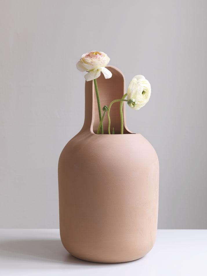 Gardenias-Jaime-Hayon-for-BD-Barcelona-Design-yatzer-7