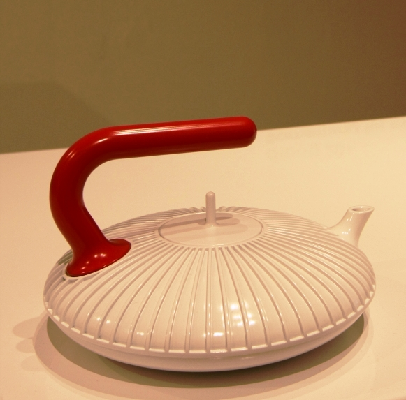 Teapot-with-Handle