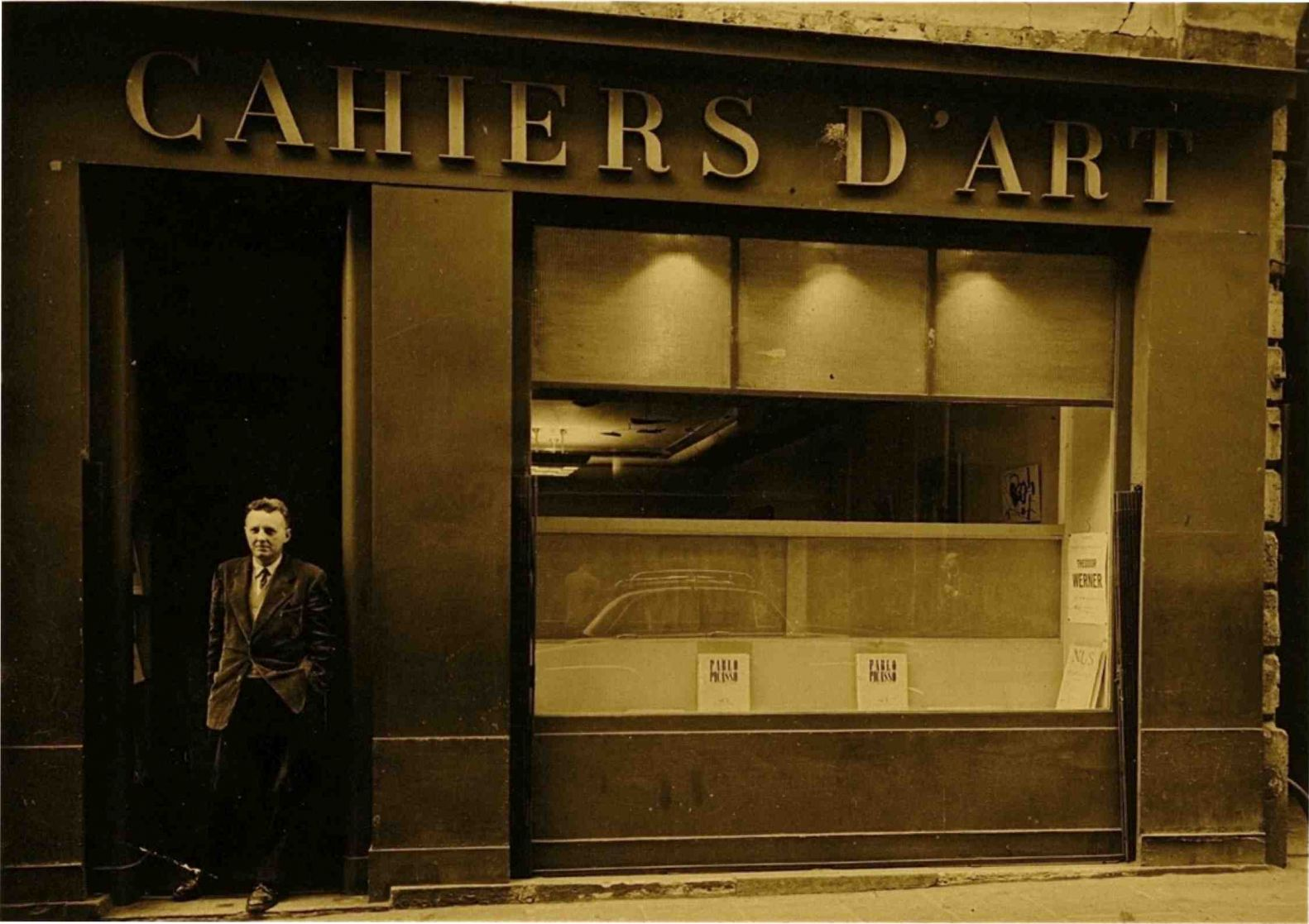 Marc de Fontbrune at the Cahiers d'Art gallery 1957