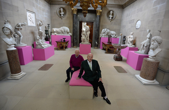 Pergrine Cavendish, Duke of Devonshire (R) and artist Michael Craig-Martin