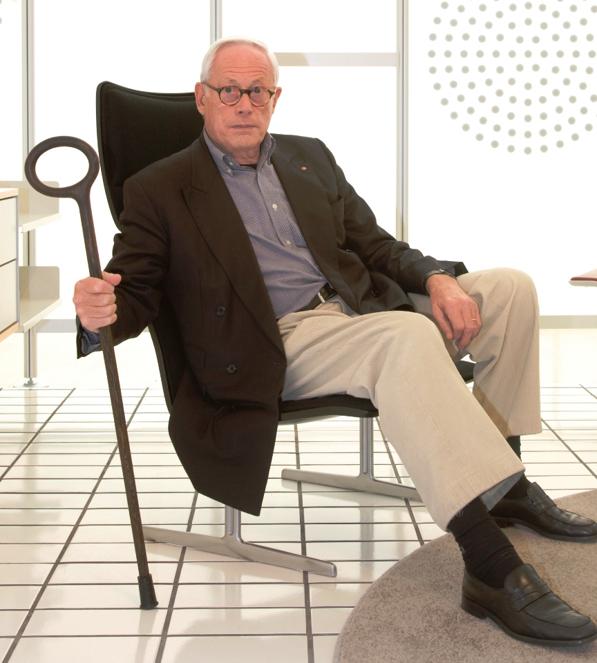 dieter rams with walking stick by the ditzels
