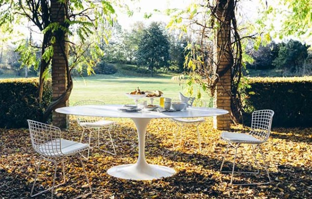 knoll outdoor table