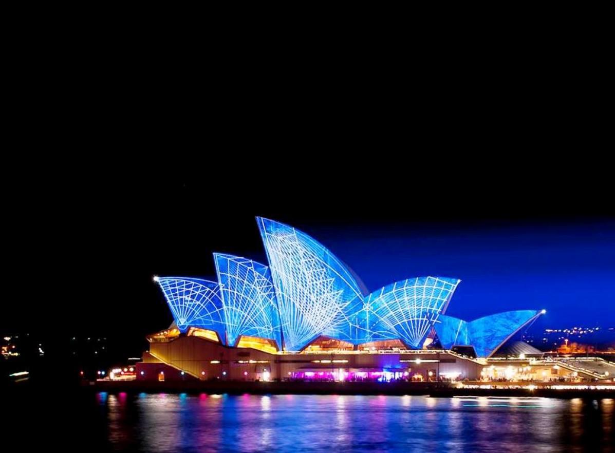 lighting the sails sydney opera house vivid