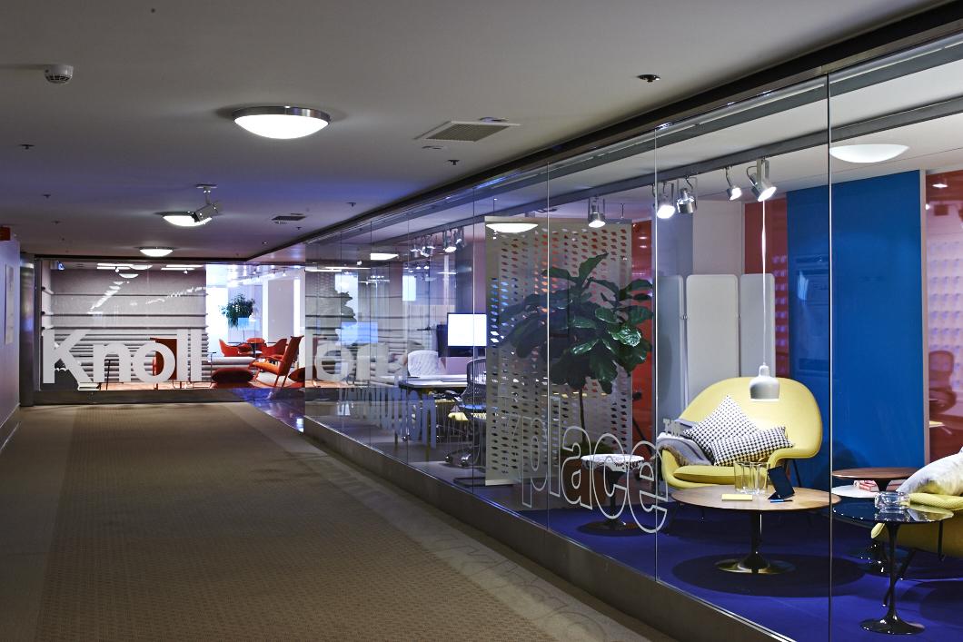 Knoll-NeoCon-2014-1-hallway
