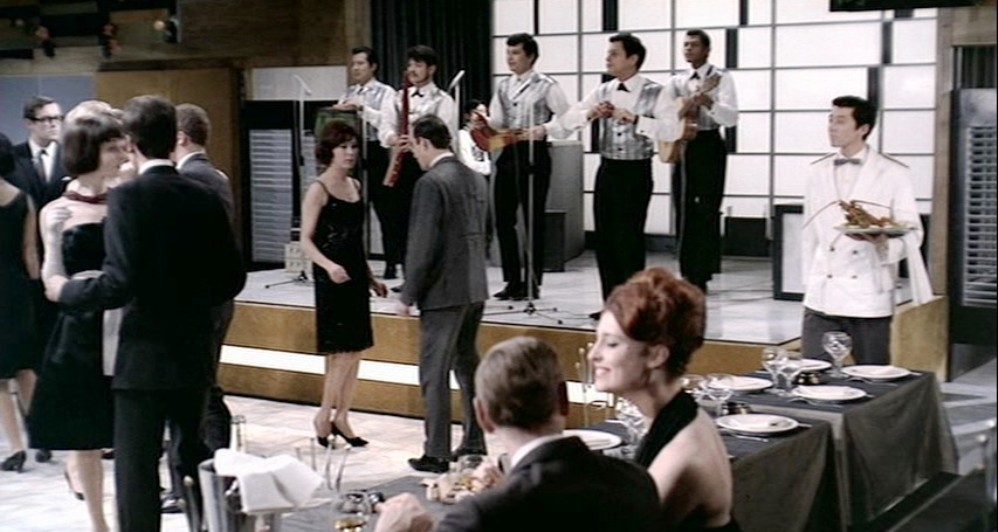 jazz band at restaurant
