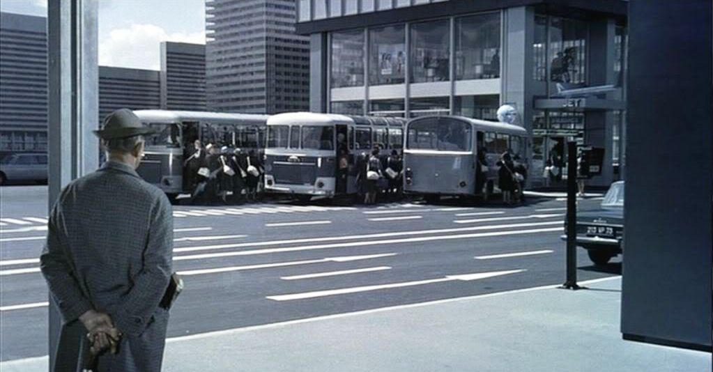 playtime jacques tati buses (2)