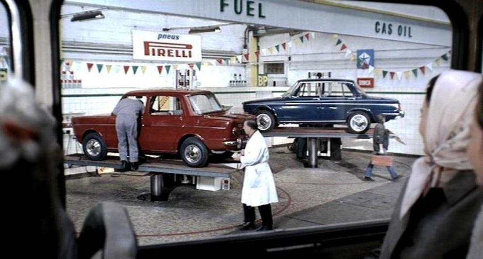 playtime jacques tati cars