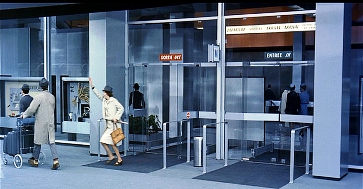 playtime jacques tati false disguises (3)