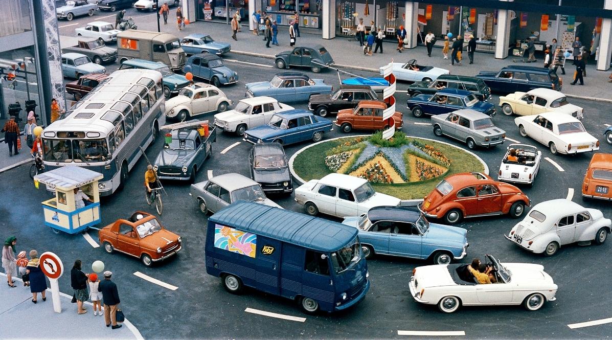 playtime jaques tati roundabout (1)