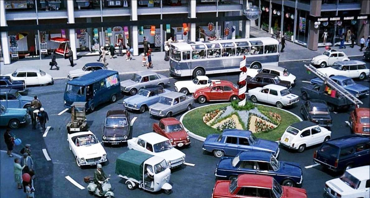 playtime jaques tati roundabout (2)