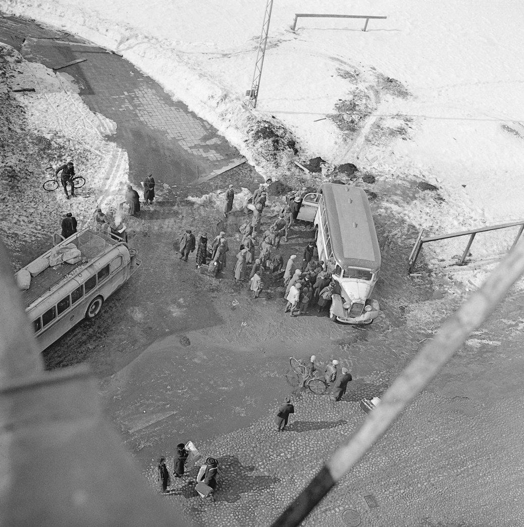 finns evacuating viipuri in 1942