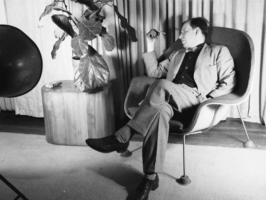 Eero Saarinen seated in a prototype of his Womb Chair. 1947.en_womb
