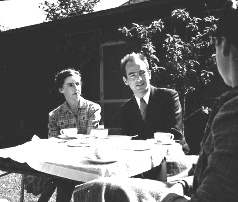 Harry and Brigitta(Valentiner) Bertoia at a Saarinen Tea  1944