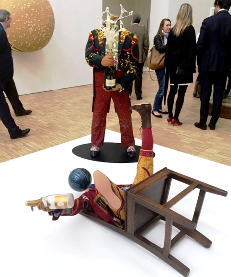 Inka Shonibare Mbe, Champagne kid(Fallen), B(w)anker (2), 2013