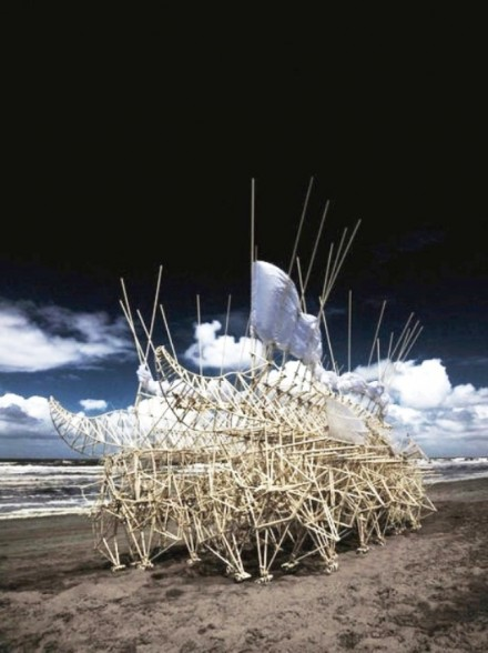 StrandBeests by Theo Jansen