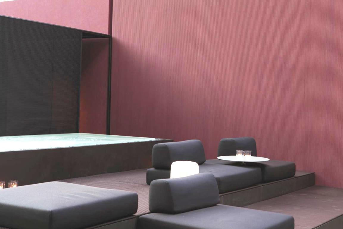 oikos at paola lenti beyond colour salone 2015 (1)