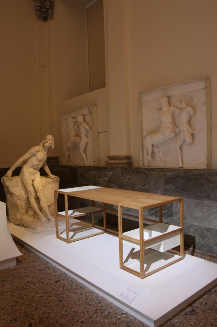 Belgium-is-Design-Confronting-the-Masters-Milan-2015-Marina-Bautier-Lap-Desk
