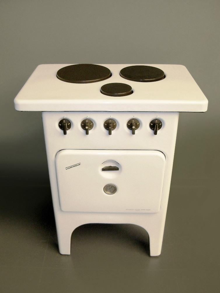 Cucina elettrica tipo CN3 a tre piastre con forno, 1949, Tecnomasio Italiano Brown Boveri