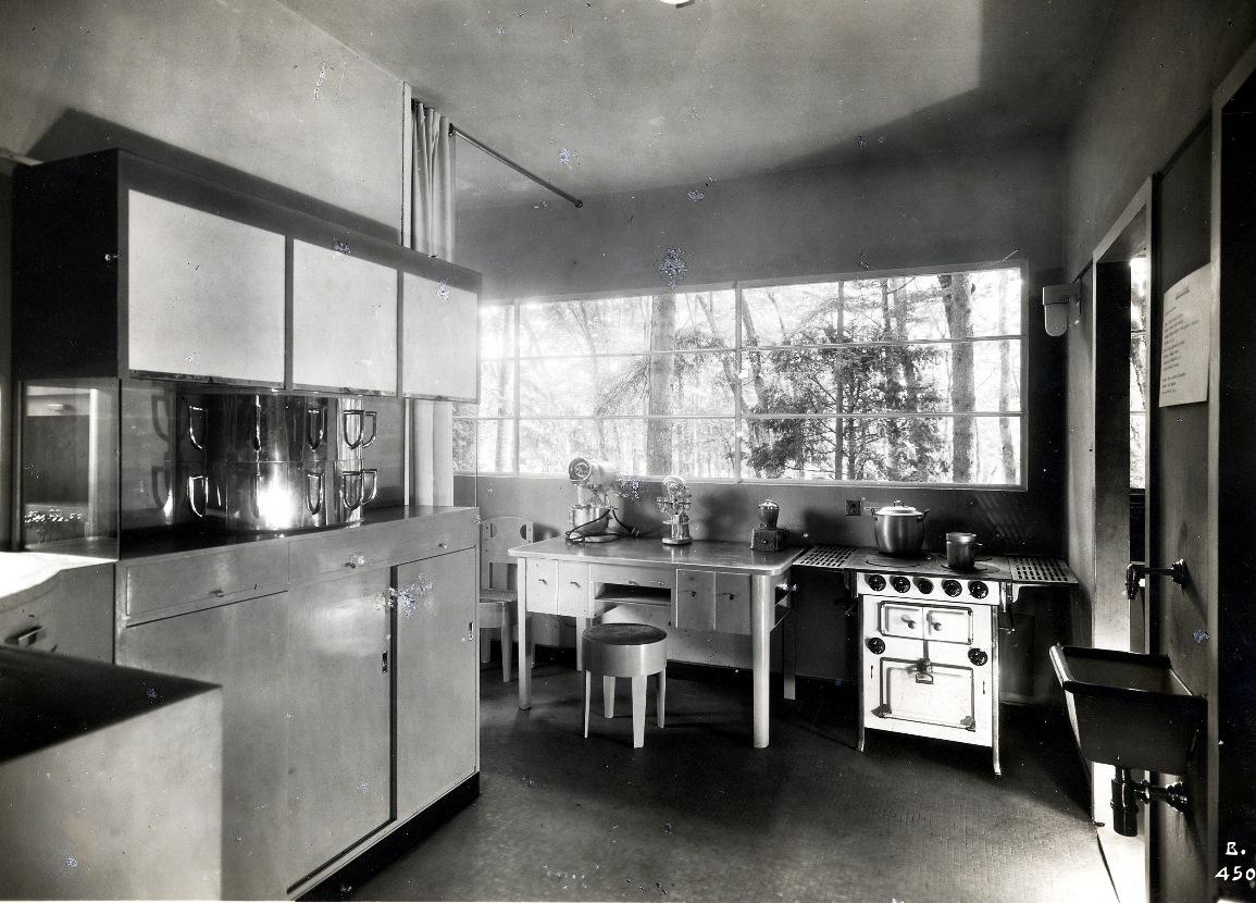 Gruppo 7 Casa_elettrica_cucina 1930