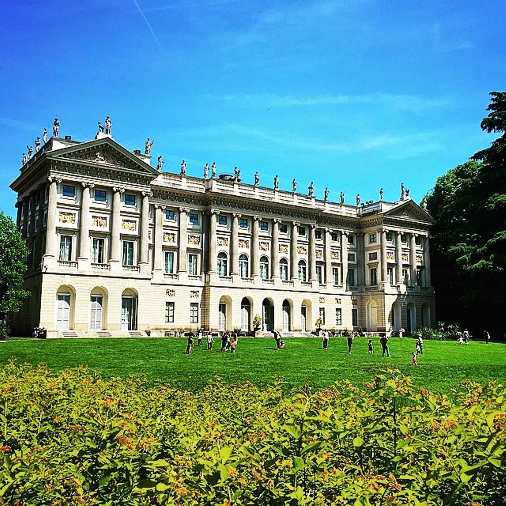 Palazzo Castiglioni, Milan