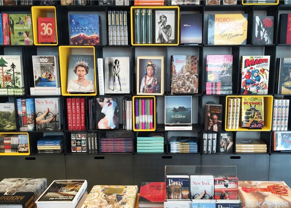 taschen store salone milan 2015 (1)