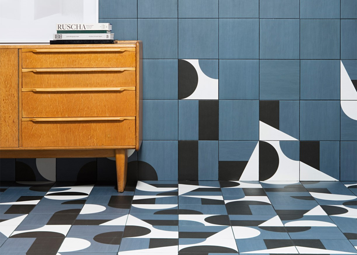 Puzzle_with_desk