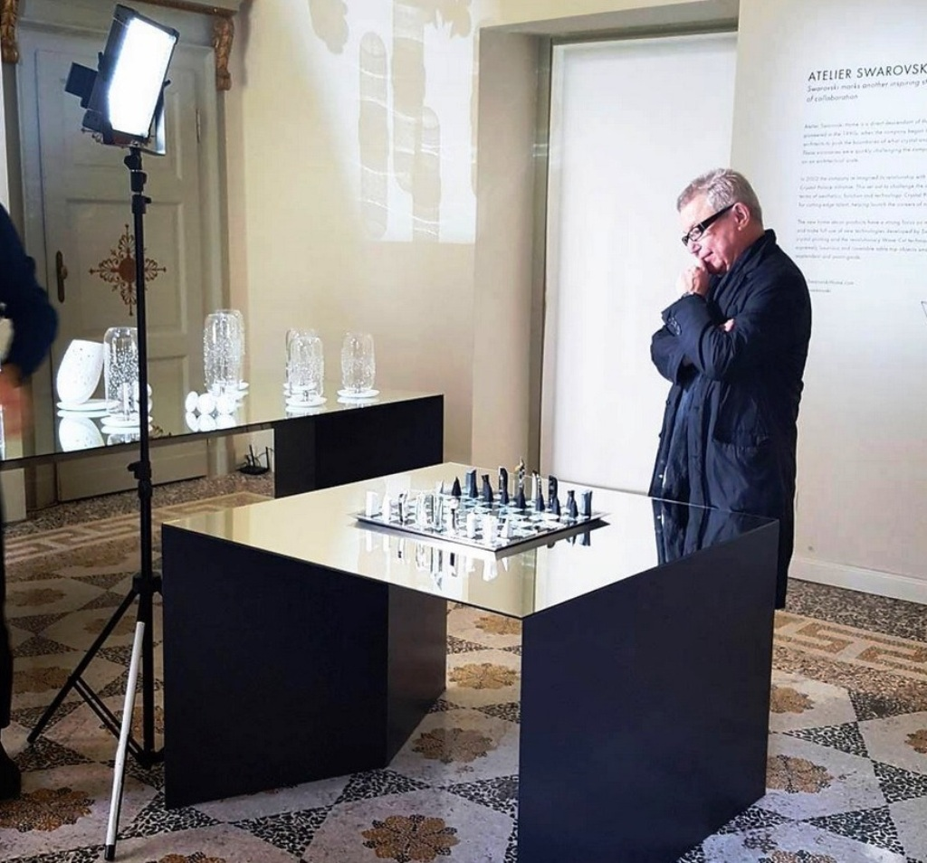 daniel liebskind swarovski chess set (1)