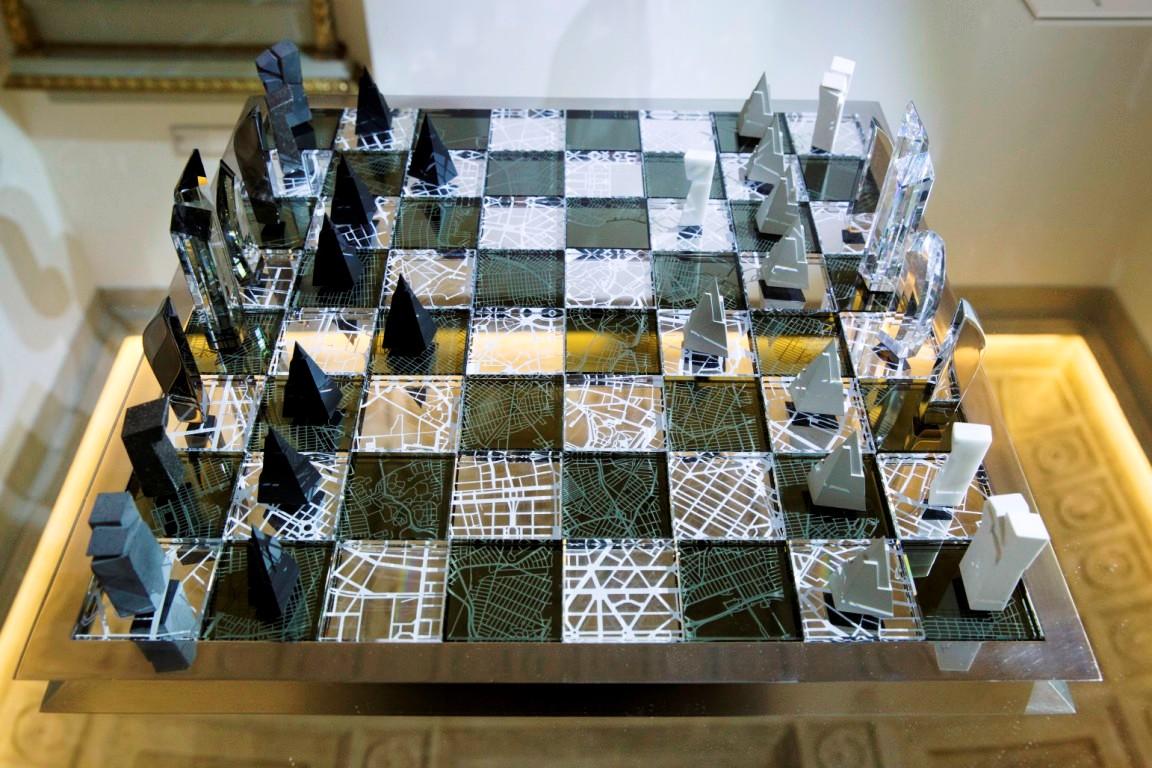 daniel liebskind swarovski chess set (2)