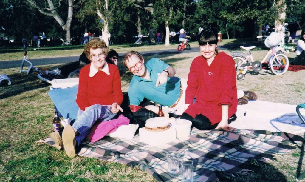 sharrin-picnic