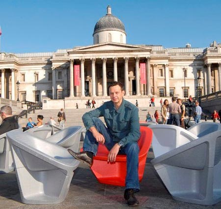 tom\'s 1,000 chair give away