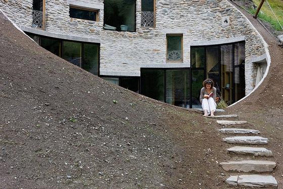 christian-mueller-architects-villa-in-vals-07