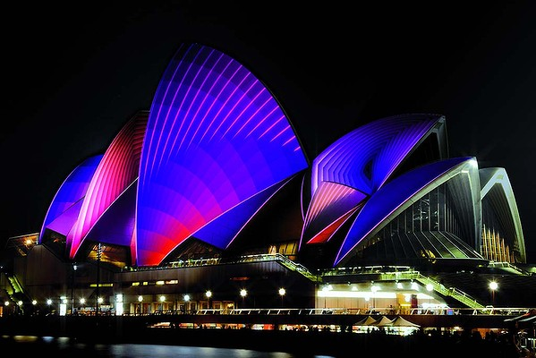 Vivid Live 2011 – Lighting the Sails