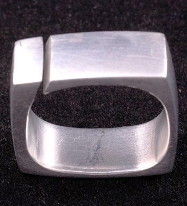 eames ring