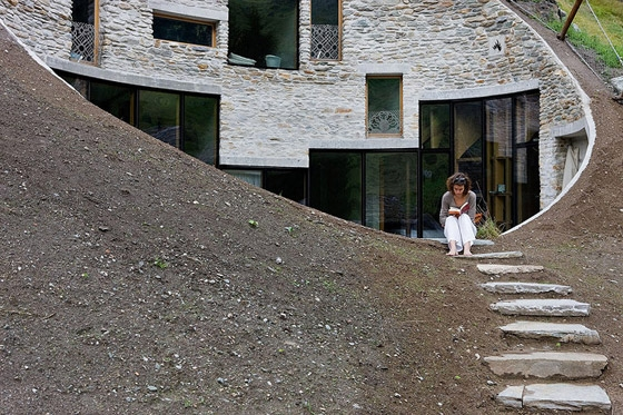 christian-mueller-architects-villa-in-vals-07